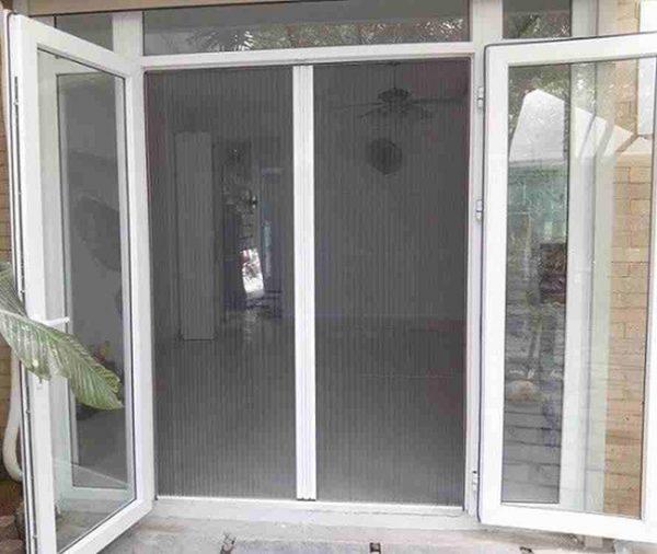 Cửa lưới chống muỗi đóng mở